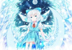 Rating: Safe Score: 64 Tags: aru_gunsou blue_eyes blue_hair bow cirno dress fairy moon short_hair touhou wings User: Dust