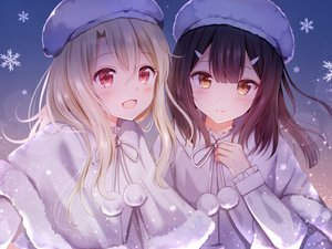 Rating: Safe Score: 126 Tags: 2girls black_hair blonde_hair blush cape fate/kaleid_liner_prisma_illya fate_(series) gradient hat illyasviel_von_einzbern long_hair miyu_edelfelt nasii red_eyes snow yellow_eyes User: BattlequeenYume