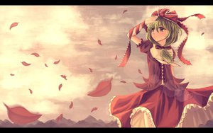Rating: Safe Score: 36 Tags: aya_(star) bow clouds dress green_eyes green_hair kagiyama_hina landscape leaves scenic sky touhou User: STORM