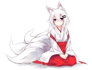 Rating: Safe Score: 267 Tags: animal_ears aqua_eyes blush foxgirl japanese_clothes miko multiple_tails original otokuyou ringo-chan_(otokuyou) short_hair tail white white_hair User: otaku_emmy