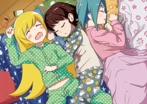 Rating: Safe Score: 72 Tags: bakemonogatari blonde_hair blue_hair blush brown_hair hachikuji_mayoi loli long_hair monogatari_(series) ononoki_yotsugi oshino_shinobu pajamas phone servachok short_hair sleeping User: RyuZU