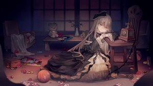 Rating: Safe Score: 77 Tags: ball bow dark dress flowers ghost_belle_&_haunted_mansion goth-loli gray_hair headband lolita_fashion long_hair no.18 petals phone rose teddy_bear yellow_eyes yu-gi-oh User: otaku_emmy