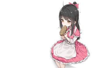 Rating: Safe Score: 34 Tags: apron black_hair blush bow food loli lolita_fashion long_hair original ponytail wet.elephant white yellow_eyes User: otaku_emmy