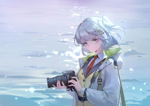 Rating: Safe Score: 38 Tags: arknights blue_hair brown_eyes camera hoodie jpeg_artifacts kurasamerukia scene_(arknights) short_hair tie water User: RyuZU