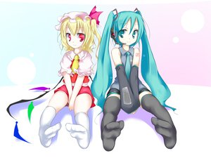 Rating: Safe Score: 69 Tags: 2girls aqua_hair blonde_hair crossover flandre_scarlet hatsune_miku red_eyes socks thighhighs touhou twintails vampire vocaloid wings User: Oyashiro-sama