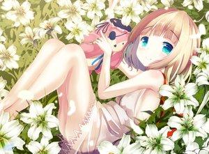 Rating: Safe Score: 70 Tags: aqua_eyes ass blonde_hair blush chinomaron dress flowers gochuumon_wa_usagi_desu_ka? kirima_sharo loli petals short_hair signed User: RyuZU