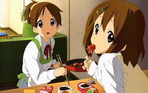 Rating: Safe Score: 34 Tags: food hirasawa_ui hirasawa_yui horiguchi_yukiko k-on! school_uniform User: pantu