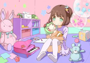 Rating: Safe Score: 58 Tags: book brown_hair bunny doll green_eyes gumi neki_(wakiko) original paper piano teddy_bear thighhighs turtle vocaloid User: FormX