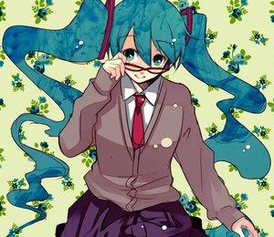 Rating: Safe Score: 39 Tags: furai glasses hatsune_miku school_uniform vocaloid User: anaraquelk2
