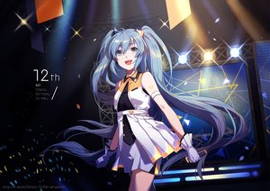 Rating: Safe Score: 43 Tags: blue_hair dress fen_renlei gloves green_eyes hatsune_miku long_hair microphone twintails vocaloid watermark User: sadodere-chan