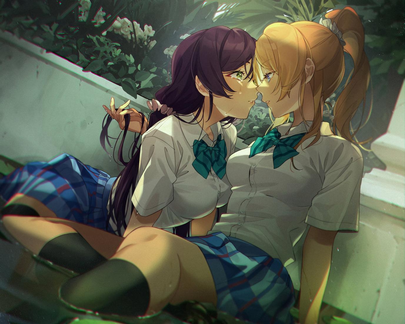 2girls ayase_eri blonde_hair green_eyes kneehighs long_hair love_live!_school_idol_project ponytail purple_hair school_uniform shoujo_ai skirt tears tie toujou_nozomi water zawawa_(satoukibi1108)