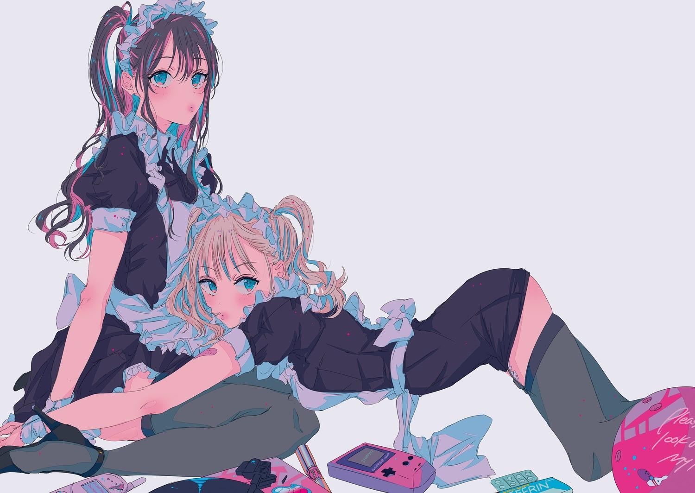2girls apron ball game_console maid najuco original phone polychromatic