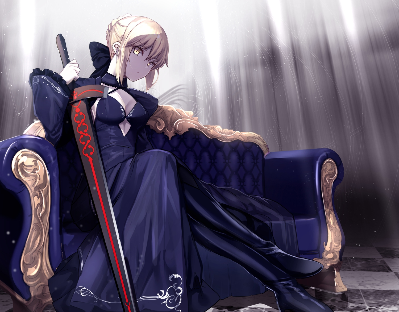artoria_pendragon_(all) blonde_hair braids fate/grand_order fate_(series) gloves saber saber_alter short_hair sword untue weapon yellow_eyes