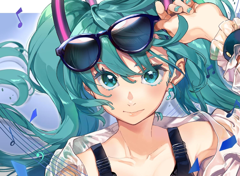 aki_(mare_desiderii) close green_eyes green_hair hatsune_miku long_hair music sunglasses twintails vocaloid