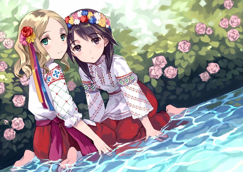 2girls barefoot black_hair blonde_hair blush flowers loli original rose short_hair tan_(tangent) water