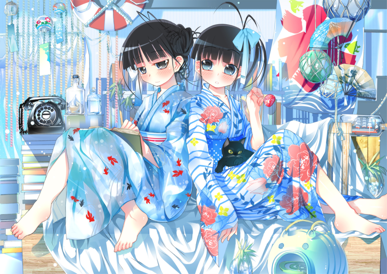 2girls animal barefoot black_hair bow cat fan gray_eyes japanese_clothes kimono original phone short_hair sodapop_(iemaki)